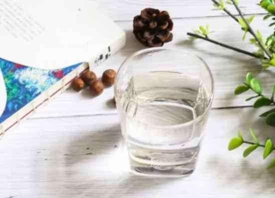 喝冰水减肥还是热水减肥好 喝冰水能减肥吗