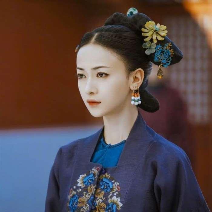 吴谨言不仅和热巴撞衫了3次,还撞衫了大半个时尚圈的女明星_明星新闻