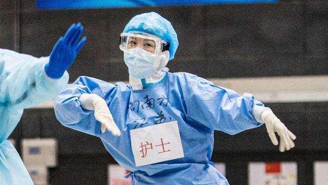 《中国医生》破9亿,连续11天票房登顶,但一部国漫大片杀来了_明星新闻