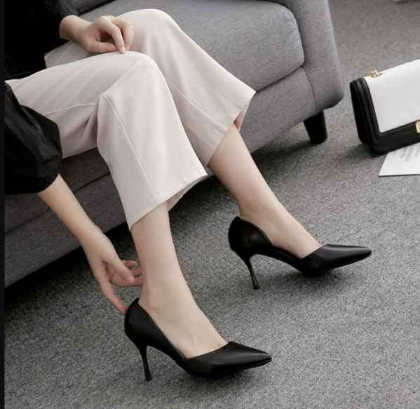 高跟鞋宁愿买大还是买小