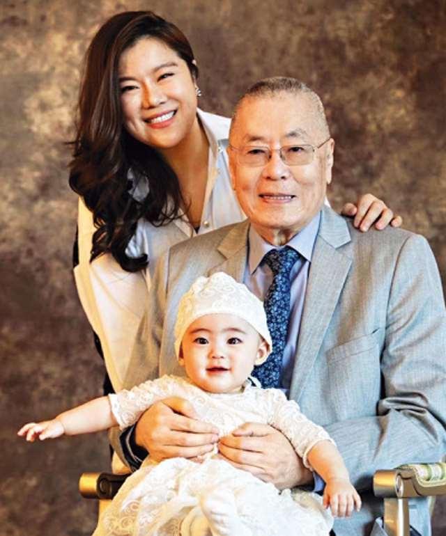 暮年得女!82岁刘诗昆为贝贝设5亿基金会,怕爱女孤单欲再追两子_明星新闻