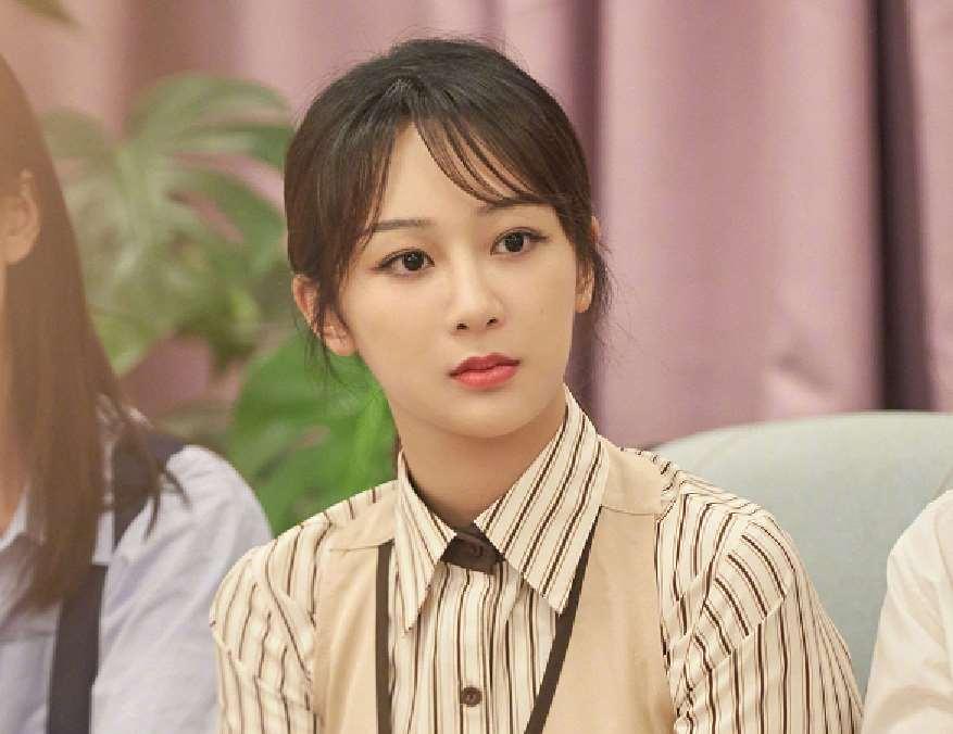 刘学义生日过去2个月后,杨紫跑去送迟到的祝福,遭到对方的嫌弃_明星新闻