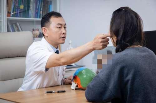 """为什么说颌面整形效果堪比""""换头""""?——国际医学中心整形医院颌面外科主任籍建华"""