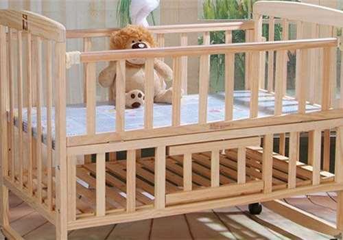 婴儿床放在什么位置合适 婴儿床可以睡到几岁