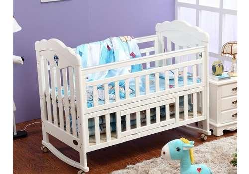 婴儿床如何与大床连接 婴儿床买二手的好吗