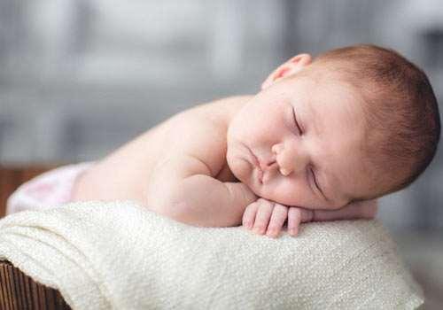 胎儿入骨盆代表什么 胎儿不入盆该怎么办