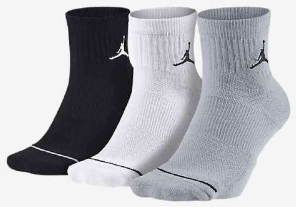 耐克袜子真假