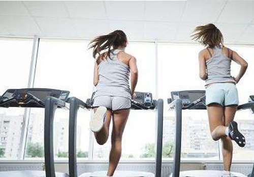 跑步机对膝盖有损伤吗 跑步机如何正确跑步损伤膝盖